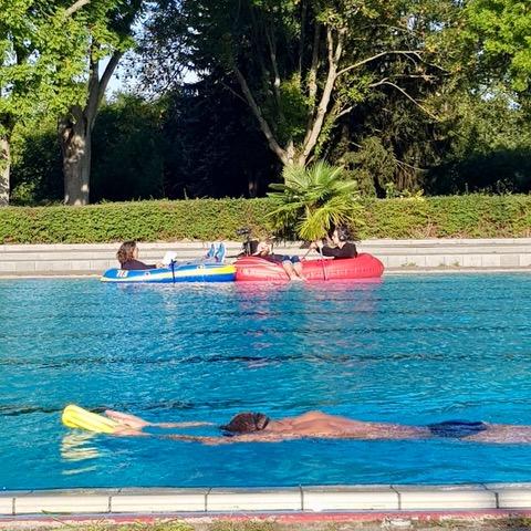 Dreh mit Pariser KunstKollektiv⎪Foto: Schwimmmeister Mike Werner