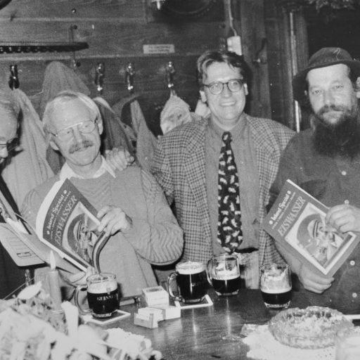 1996 | zusammen mit Cornelius Riewerts, dem in Galway lehrenden Literaturwissenschaftler Hermann Rasche & Künstler Joe Boske präsentiere ich EISWASSER Irland special im Wirtshaus Zum alten Pferdestall | Vechta